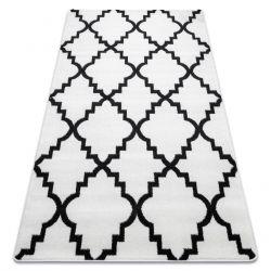 Килим SKETCH – F343 бяло/черно мароканска детелина